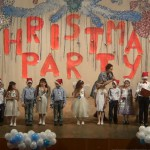 Группы (Лисина И.В.) «Mice», «Ducks», «Beetles»  и Колюбанова Ксения из группы «Angry Birds» с песней «Children's Christmas Song»