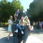 Памятник эстонскому композитору Густаву Эрнесаксу на певческом поле, где проходят национальные праздники песни и танца