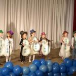 "2. Группа Little - песня-сценка ""I'm a happy snowman"" (Потапова С.А)"