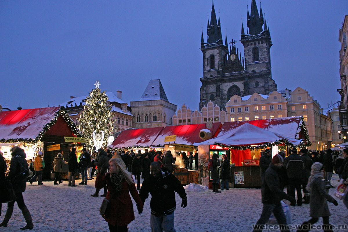 интерьере смотрятся фото туристов прага зимой год это праздник