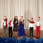5. Группы Surprise и Mittens - песня «Santa» (Артамошкина Г.А.)